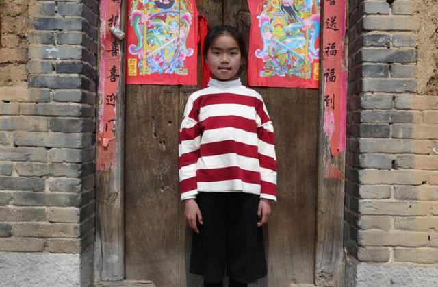 河南版变形记 9岁匡桐菲去山区教音乐课崩溃大哭