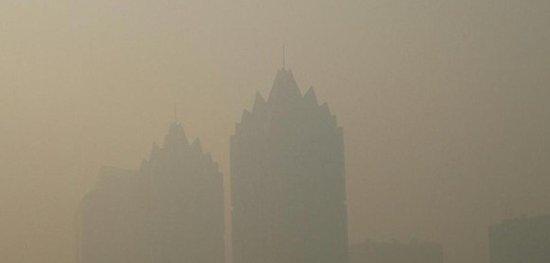 郑州昨日9个空气检测点全重污染 今日雾霾依旧