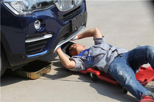 """这里有这样的一群人 大豫养车保养技师日常工作原来是""""这""""样!"""