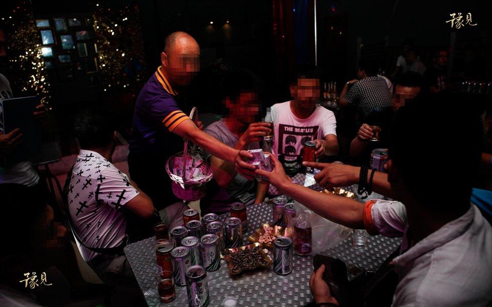 豫见第十三期:走近郑州同性恋酒吧15