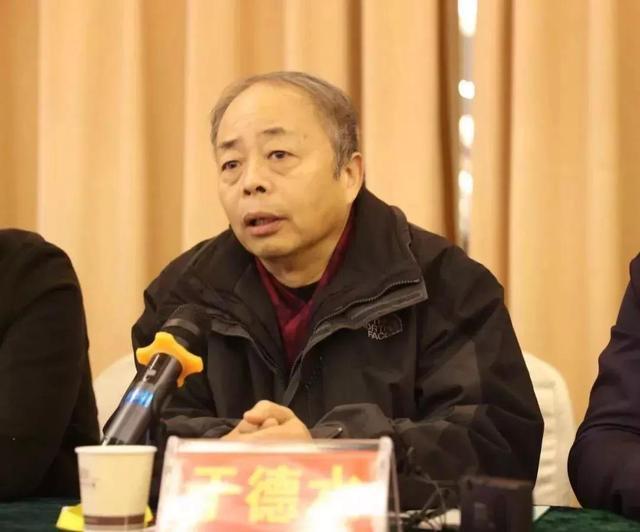 他成为永城摄影家协会主席 有望带领永城走向国际