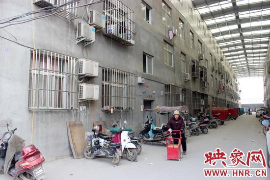 郑州高新区一村干部私建楼房 以超低价对外出售