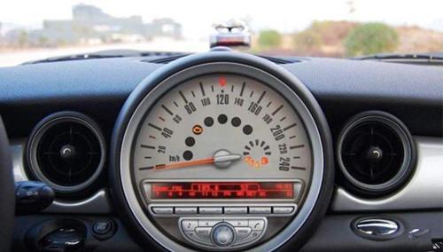 汽车加油的四大误区 不注意会损耗爱车