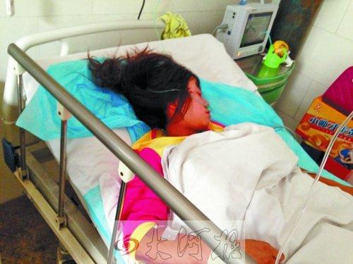 河南丰田霸道撞飞3名中学生后逃逸 2人当场死亡