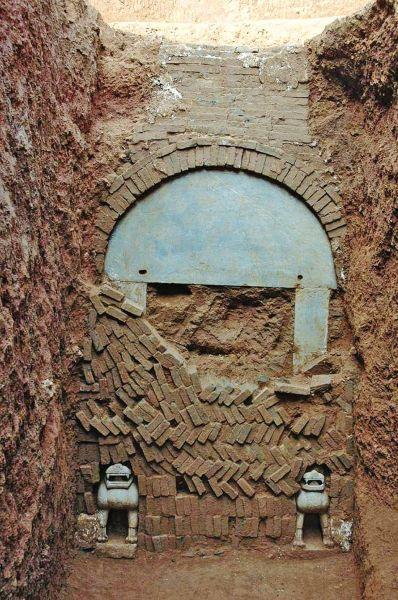 乞扶令和墓的墓门 翻拍材料图片