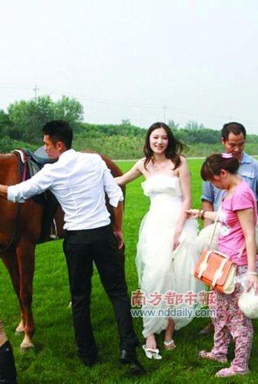 林丹用婚礼杀进娱乐版 9月23日在京迎娶谢杏芳