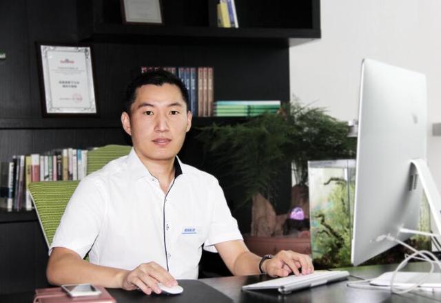 """杨富伟 开辟""""互联网+花木""""新蓝海"""