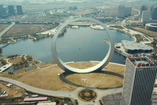 """被称为""""生命之环""""的奇葩建筑 造价上亿"""
