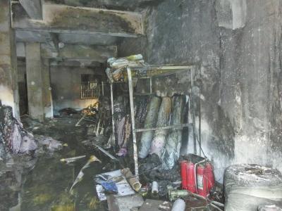 郑州小伙掉恋焚烧烧仓库 楼上20人逃生被吓瘫