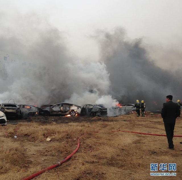 郑州停车场大火起因_郑州停车场突发大火 43辆名爵30辆凯迪拉克被烧