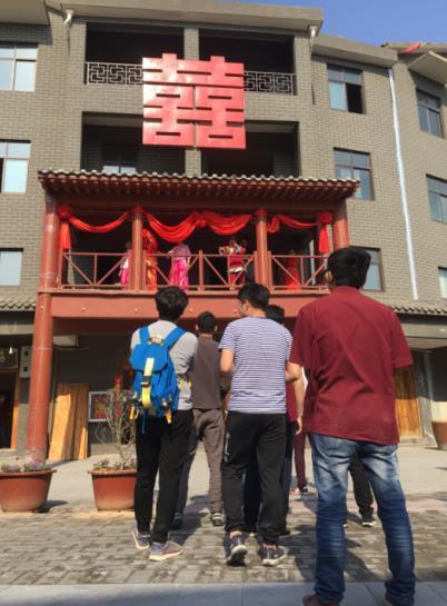 全国政协经济委员会副主任陈锡文率队调研新郑泰山村