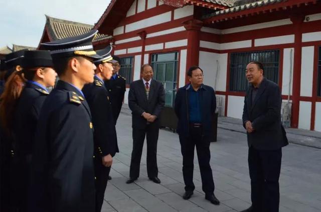 龙门园区城市管理局、城市综合执法局旅游执法大队举行揭牌仪式