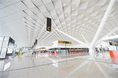 打造国际性综合交通枢纽 郑州有条件有基础有优势