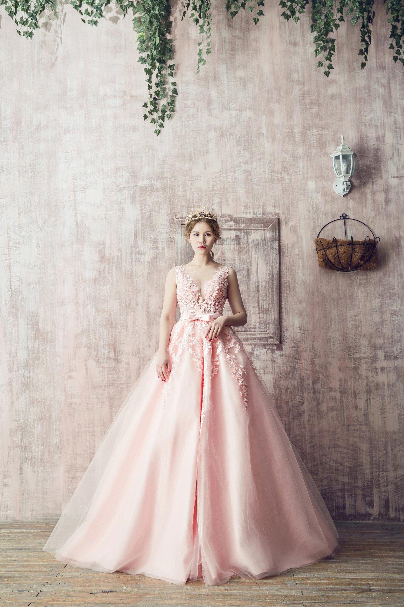 婚纱拍多少钱_拍一套婚纱照要多少钱?