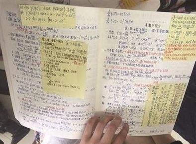 河南高校一学霸考研笔记走红 有人出1000元买
