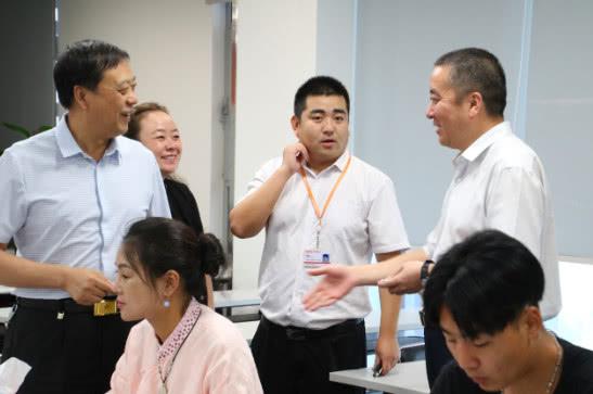 平安产险河南分公司与河南豫宛商会召开战略合作洽谈会