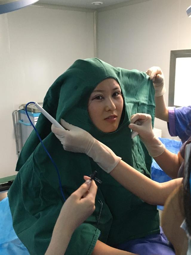 眯眯眼女孩,双眼皮手术竟做了这五个部位