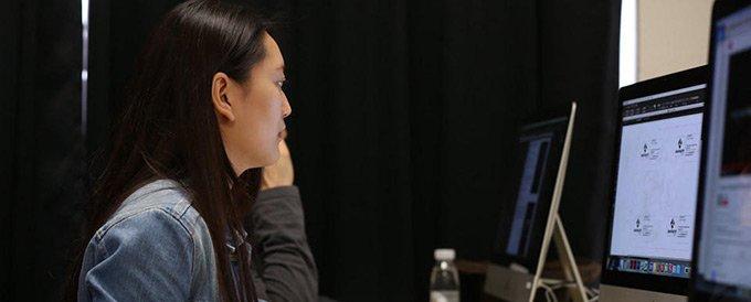 自己是美术生,文化课成绩也不算太好,李怡决定另辟蹊径――到国外上大学。