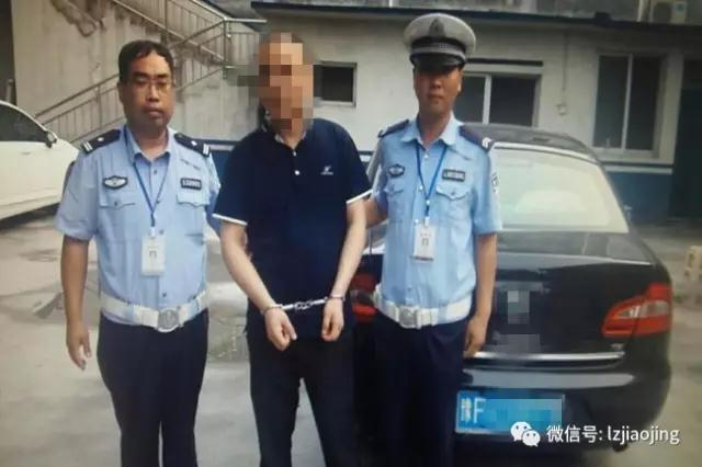 鹤壁一司机遇检查忙换位置 民警调查发现其有新身份