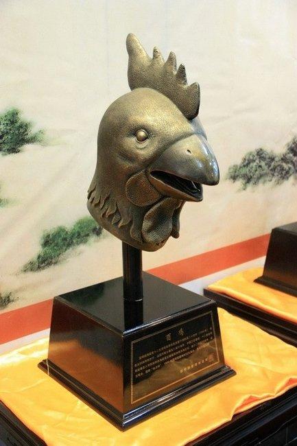 圆明园十二生肖兽首铜像展览,鸡首(仿品)-十二生肖兽首之鼠首兔