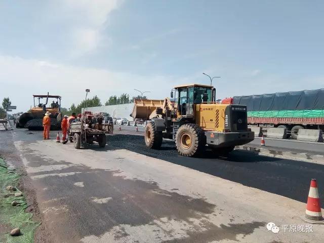 107国道与新濮公路环岛路口施工中 明日完工