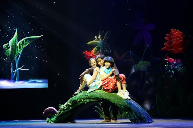 5月28日郑州演出 《锛儿头、小辫儿之疯狂的猿人》