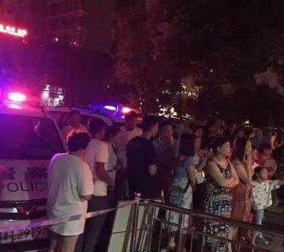 漯河孩童昨晚坠楼 事发时父母没在现场