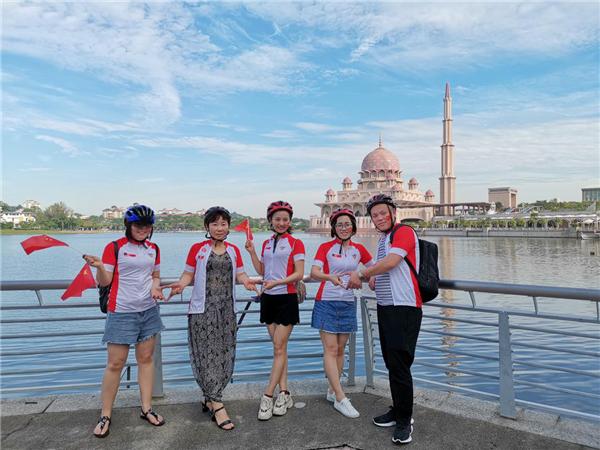 新年第一天,百名河南游客潇洒骑行东南亚