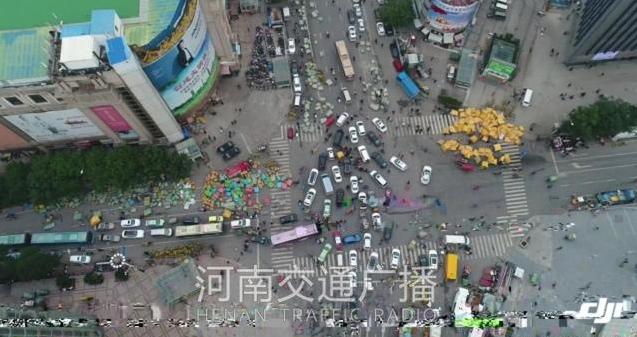 无人机直击:郑州银基进货盛况