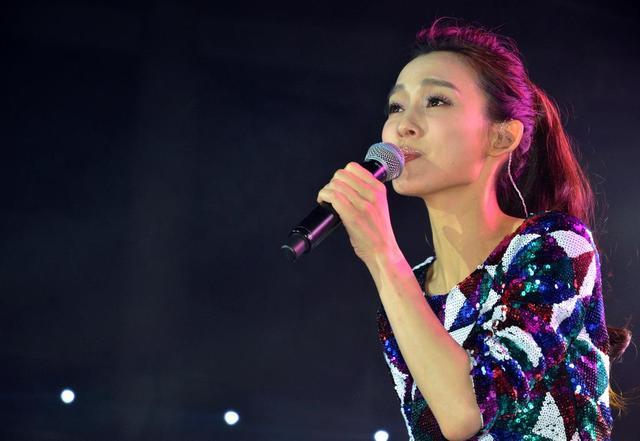 范玮琪首次来到郑州 与你约一场万人大合唱