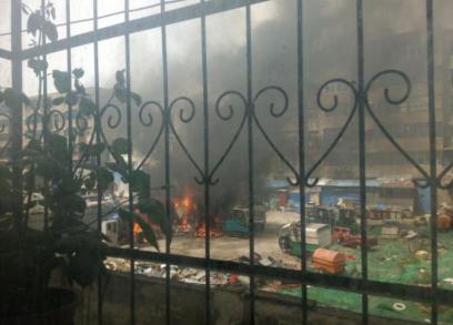 漯河一闲置院落突发大火 现场浓烟滚滚