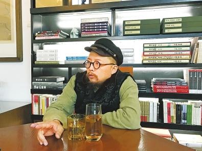 著名编剧史航做客郑州 坦言自己是推荐控