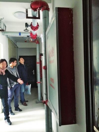 郑州楼盘被指水电未通强行交房 业主维权被暴打