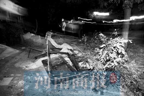 小区自然气鼓鼓爆炸沙发崩窗外 邻人称女住户老自杀
