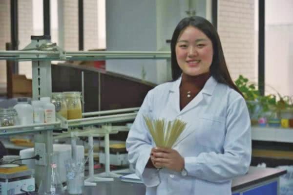 洛阳20岁女大学生当董事长 小作坊变大公司只用