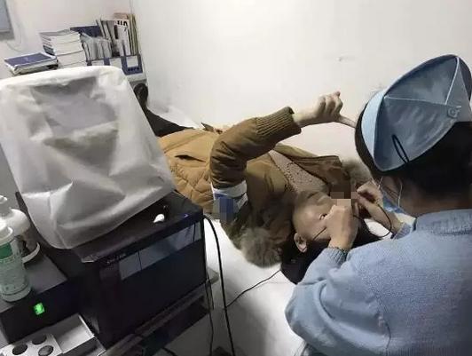 专家见会面:近视手术安全吗?听听专家怎么说