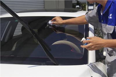 高科技代替汽车雨刷?这个东西解决司机雨天视觉障碍