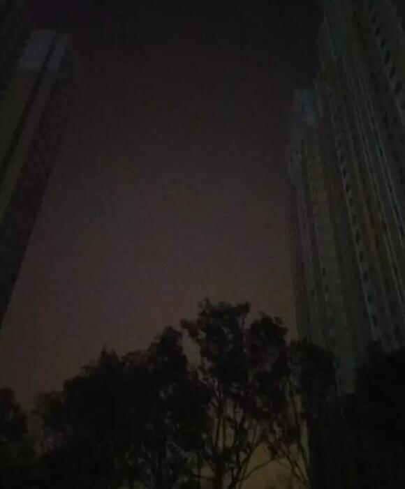 郑州一小区停电9天 居民自筹20万电费却没人收
