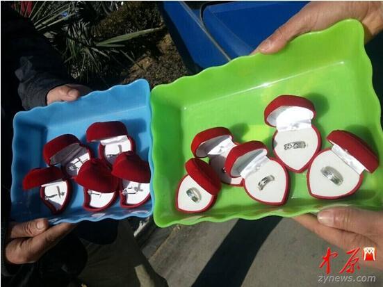 乘客郑州公交上捡10枚利剑金钻戒 车长急寻掉主