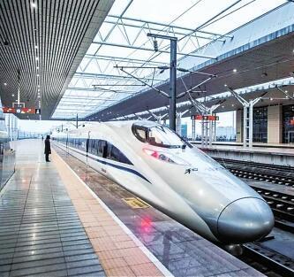 洛阳车站春运增开68趟临客 龙门高铁站将有夜间高铁