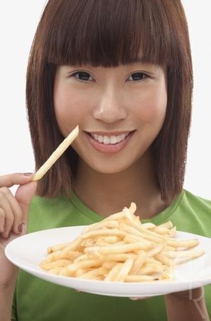摧毁脑细胞 吃这些食物让孩子变傻