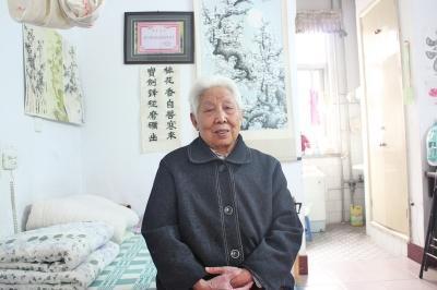 濮阳8旬老太卖房捐百万元助学 被赞中国好奶奶