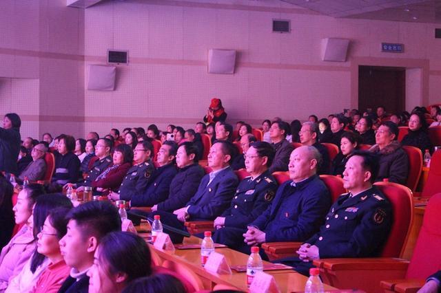 洛阳市涧西区举行群众文艺汇演 献礼党的会议