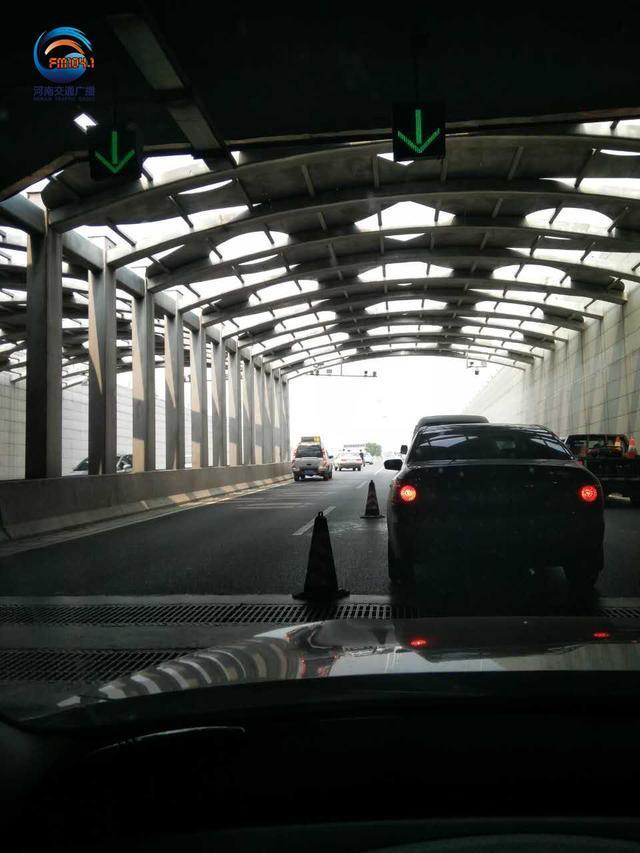 郑州老年代步车隧道逆行被撞伤 怎么赔?