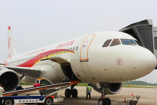 洛阳机场国庆迎高峰  旅客吞吐量提前过百万