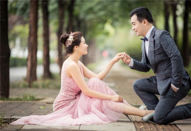 专业首席化妆师摄影师亲上阵 姑娘婚纱照唯美动人