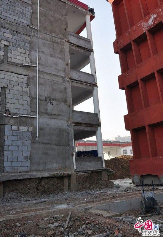 河南已建4层讲授楼被指
