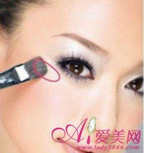 如何化淡妆 打造有氧美女气质妆容