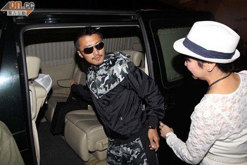 谢霆锋补过生日 被问张柏芝吓得把拉姑关在车外