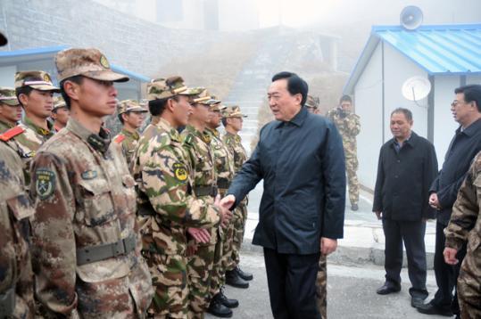 2011年10月11日,西藏自治区党委书记陈全国莅临乃堆拉视察。(西藏新闻网)